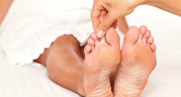 ¿Arruga en el calcetín o CAPSULITIS?